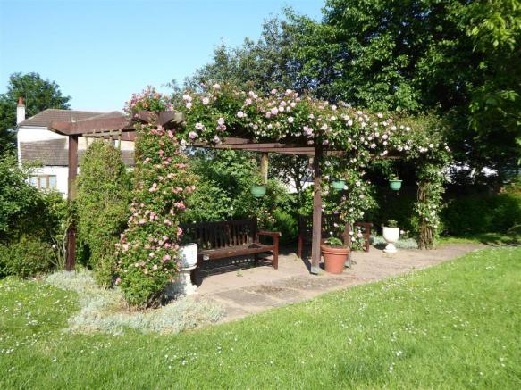 Communal garden rose arbour.JPG