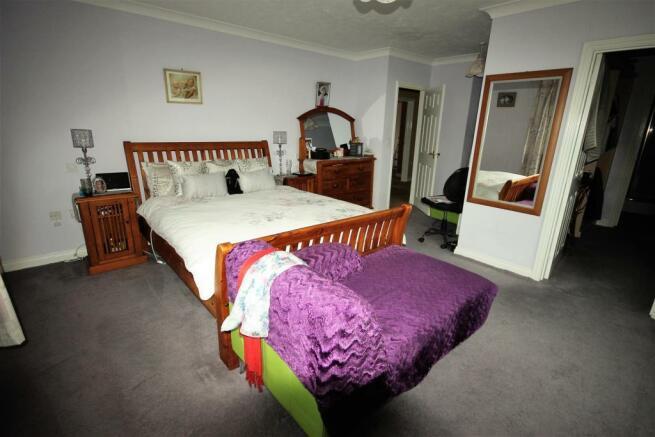 Photo master bedroom