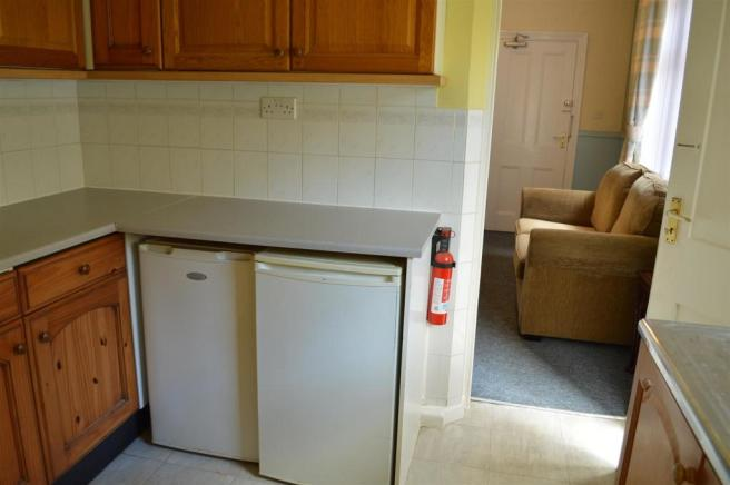 Flat B Kitchen.JPG
