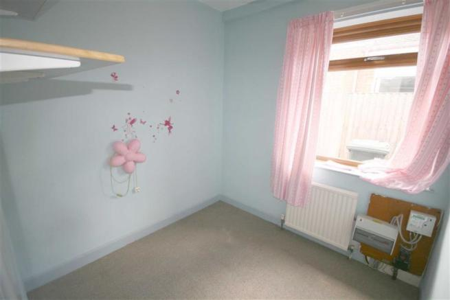 Side Bedroom 3