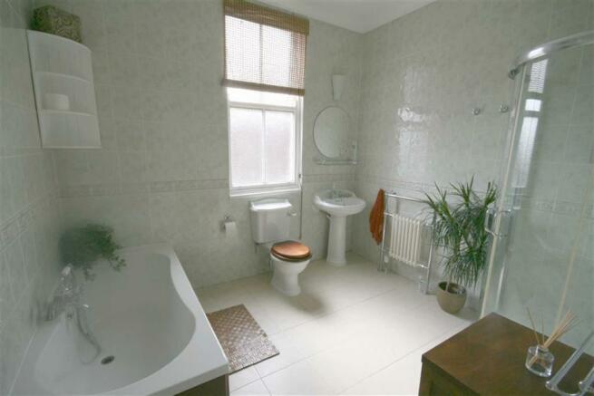 Spacious Bathroom/Shower Room