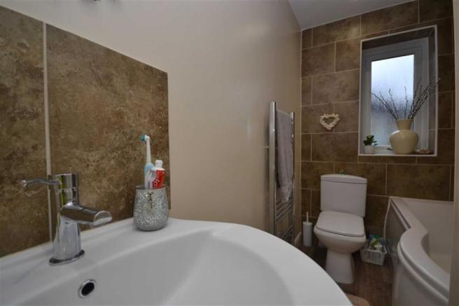 En-Suite Bathroom/w.c