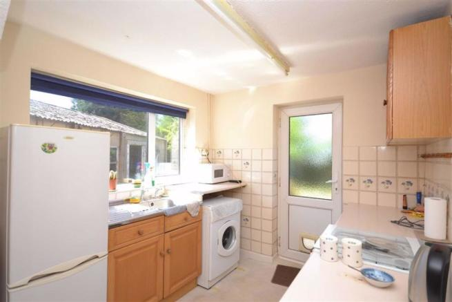 3 Bedroom Detached House For Sale In Leabank Avenue