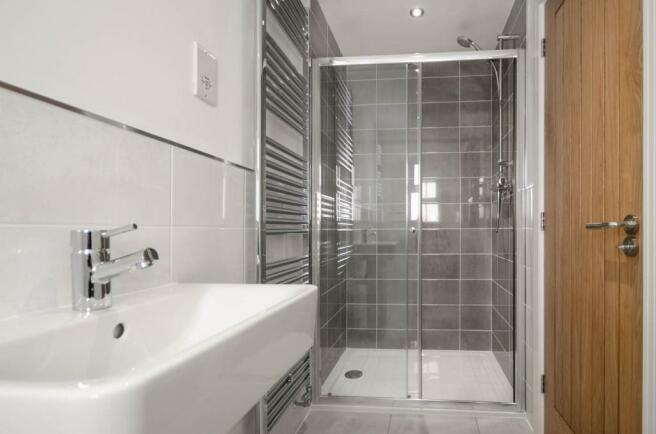 En-Suite to the Guest Bedroom