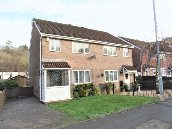 3 Bedroom Semi Detached House For Sale In Lauriston Park Caerau