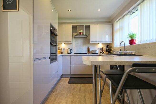 canada kitchen.jpg