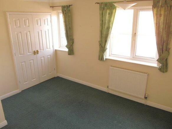 50bRiderGdns bedroom