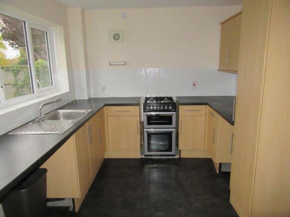 Sarthe Close Kitchen