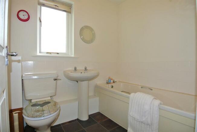 3 piece bathroom suite