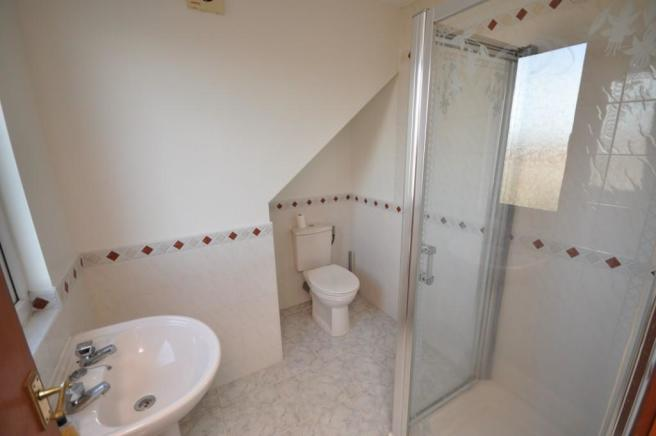 En-suite shower/WC