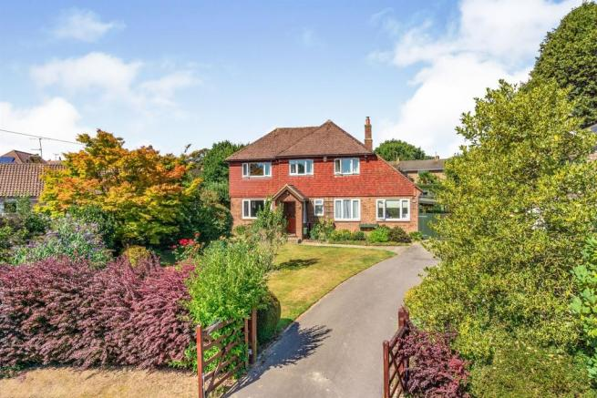 4 bedroom detached house for sale in High Hurst Close ...