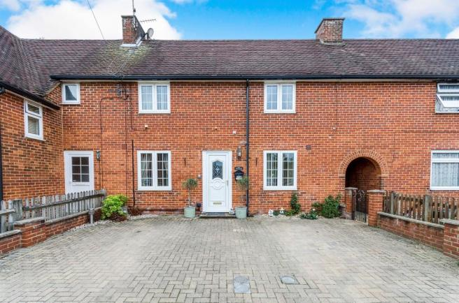 2 bedroom terraced house for sale in Milner Place, Stanmore