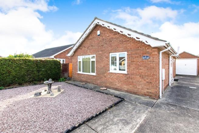 3 bedroom detached bungalow for sale in Dowsing Way