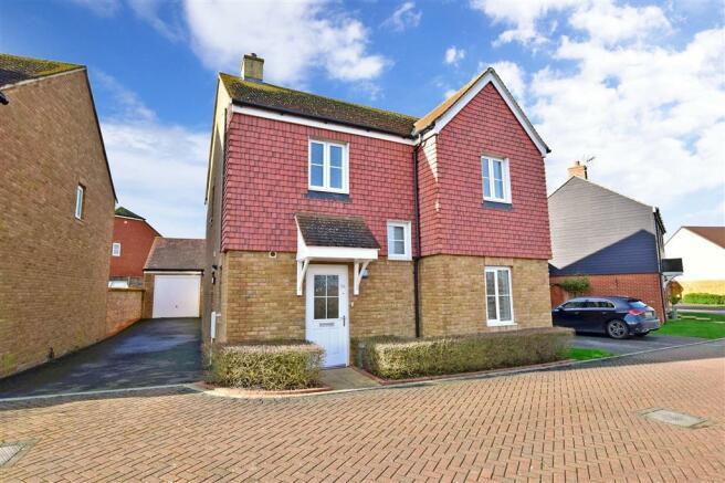 4 bedroom detached house for sale in Herdwick Close ...