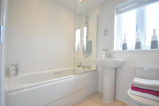 Family Bathroom (show home example)