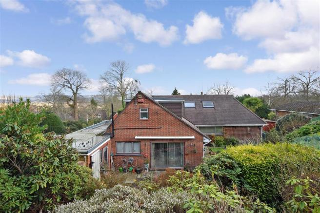 4 Bedroom Bungalow For Sale In Woodlands Road Ditton