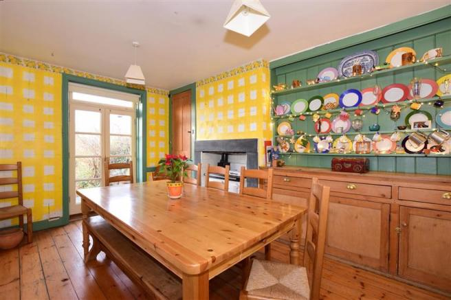 5 Bedroom Terraced House For Sale In Borstal Road Rochester Kent ME1