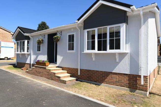 2 bedroom mobile home for sale in Hill Corner Farm Park