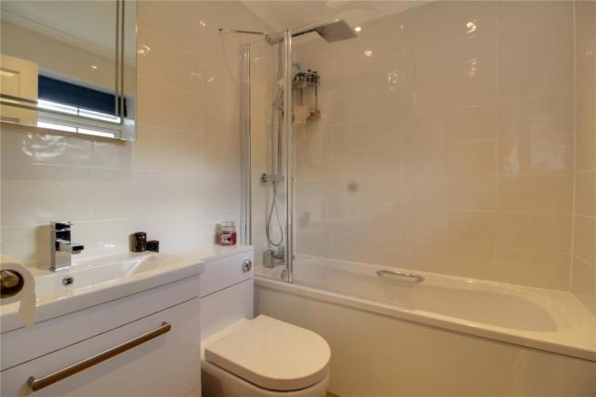 Re-Fitted Bathroomq