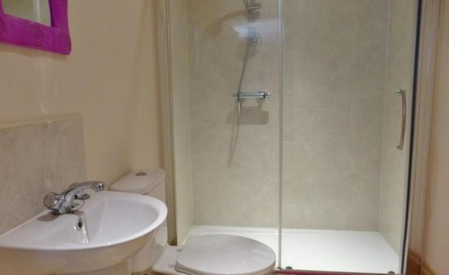 Jack-and-Jill Shower Room
