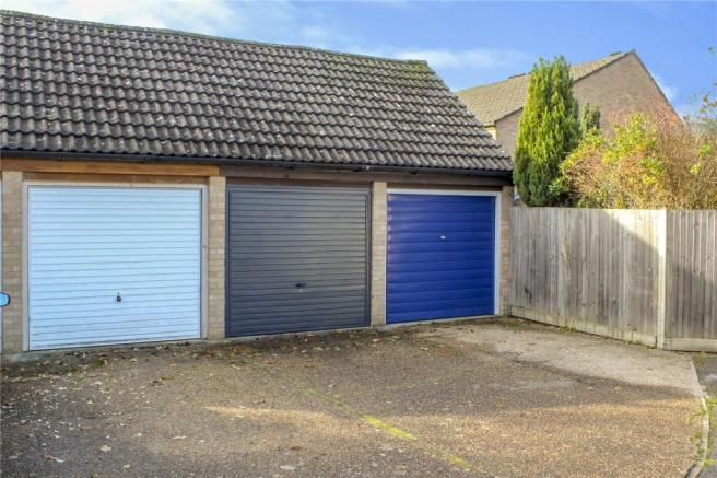 Garage With Parking