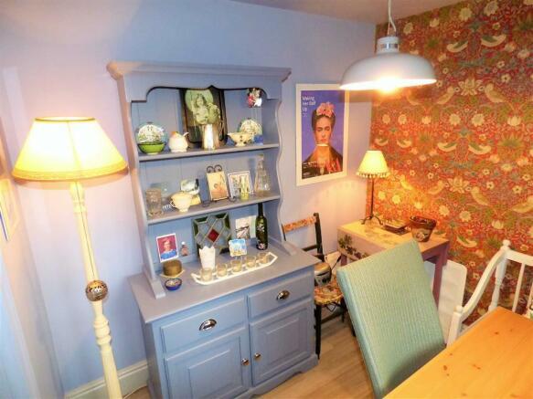 Child Bedroom 2/Diner