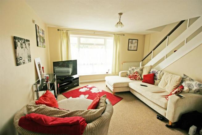 2 MONTPELLIER  Living room.jpg