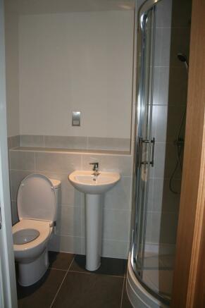 FF en suite shower