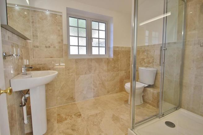 Downstairs Shower Rm.JPG