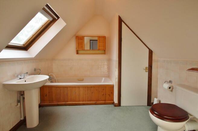 En-suite Bathroom.JPG
