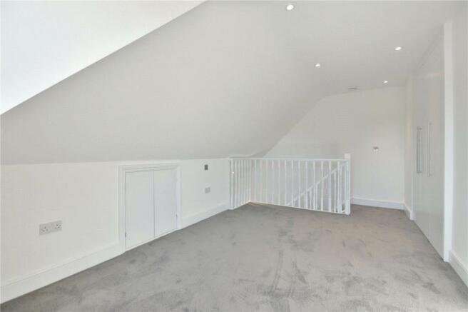 Double bedroom on upper level