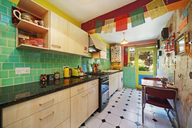 Access to garden from kitchen/diner