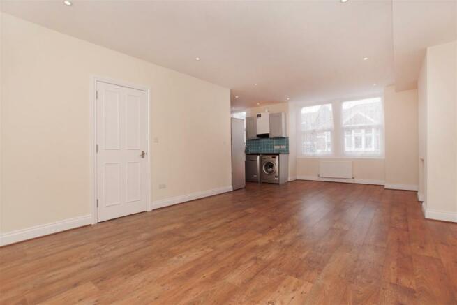 Low voltage lighting & timber floor in sizeable re