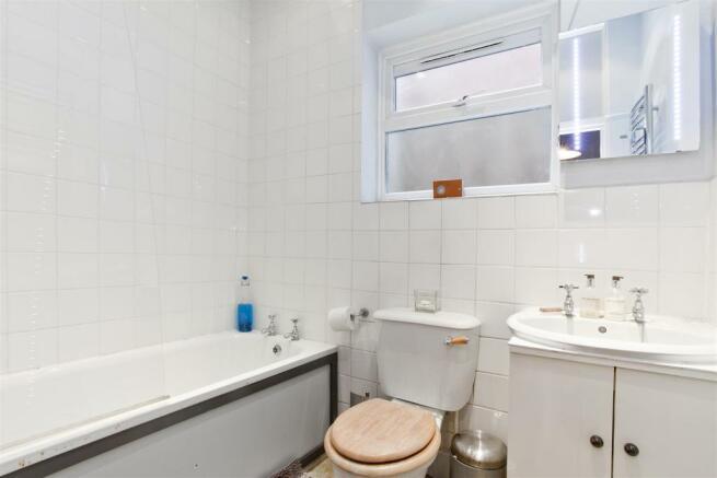 Family bathroom combined W.C