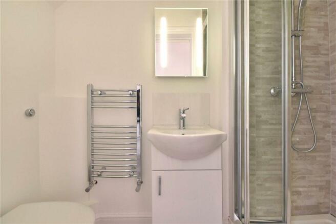 Modern fitted bathroom