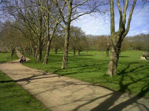 Gladstone Park parklands is close by