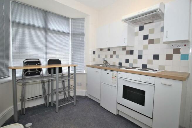 Modern fitted kitchen/diner