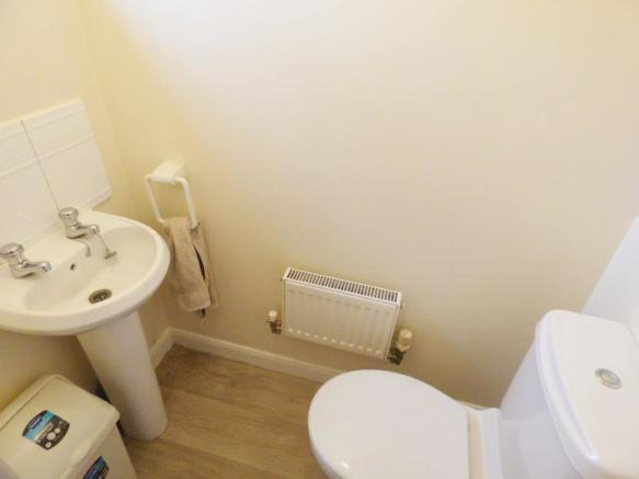 Creswell Place Cloakroom.jpg