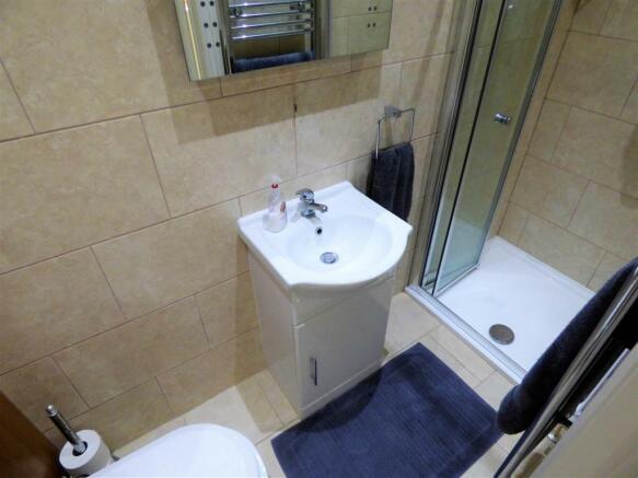 Orton House Bedroom 3 En-suite.JPG