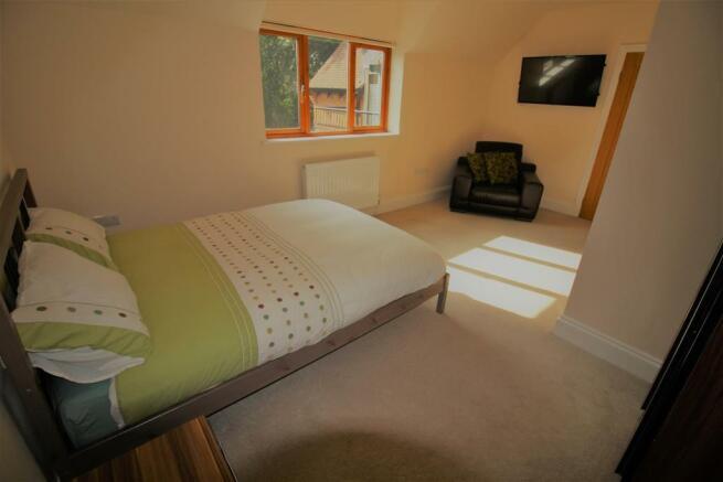 Orton Bedroom3.jpg