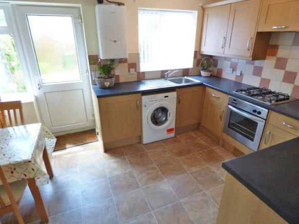 Mellish Road 18 Kitchen.jpg