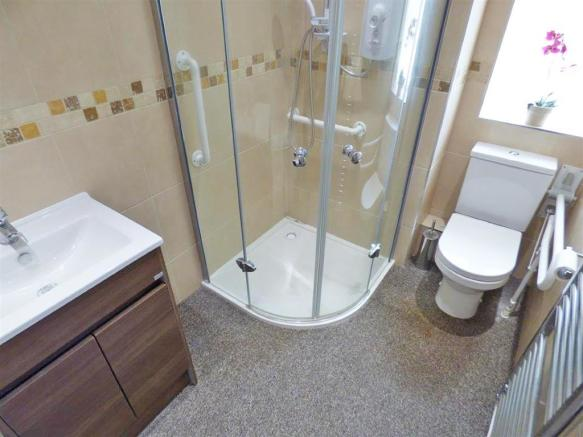 Mellish Road 18 Shower Room.jpg