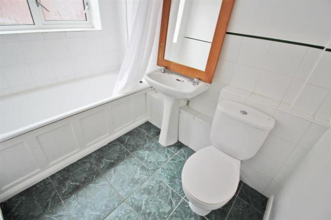 Thackeray Close Bathroom.jpg