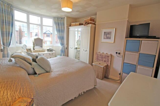Cromwell Road Bedroom 1.JPG