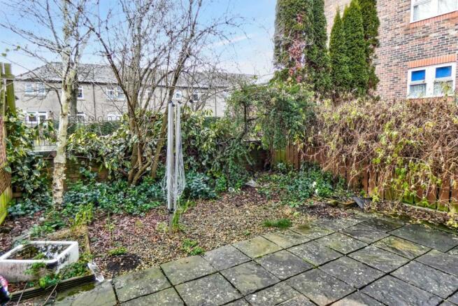 RC00245-S-garden.jpg
