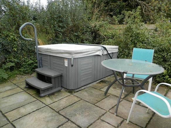 Penybryn Hot Tub