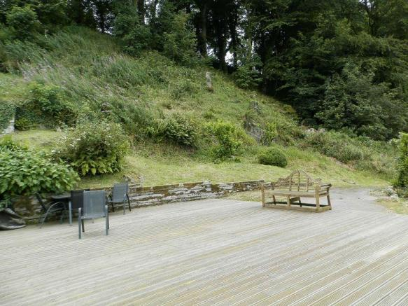 Decking Area T...