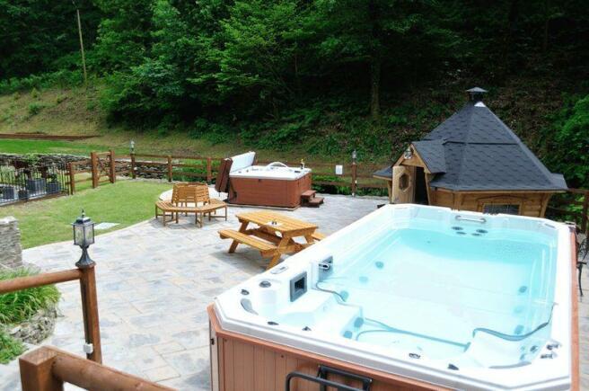 Hot Tub Swim Spa