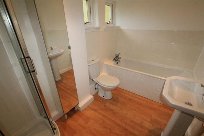Bathroom / Shower / WC