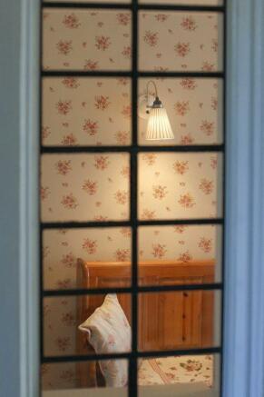 Inner hall window